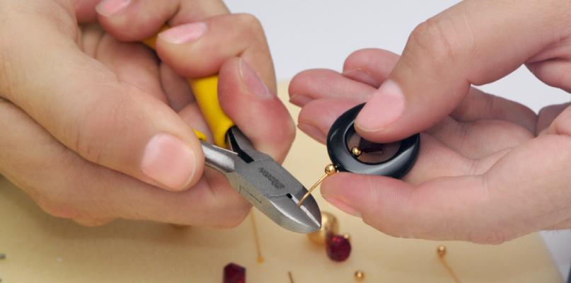 herramientas básicas para hacer bisutería: Corta Frío